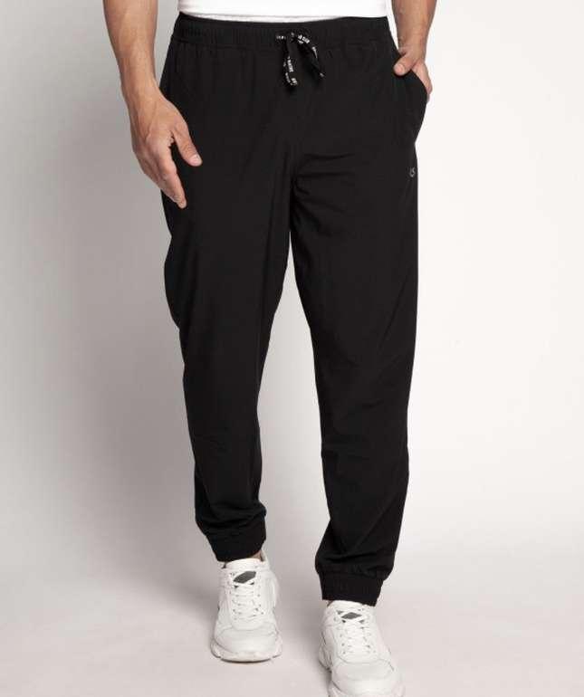 Calvin Klein Sporthose mit Nahttaschen für 31,41€ inkl. Versand (statt 67€)