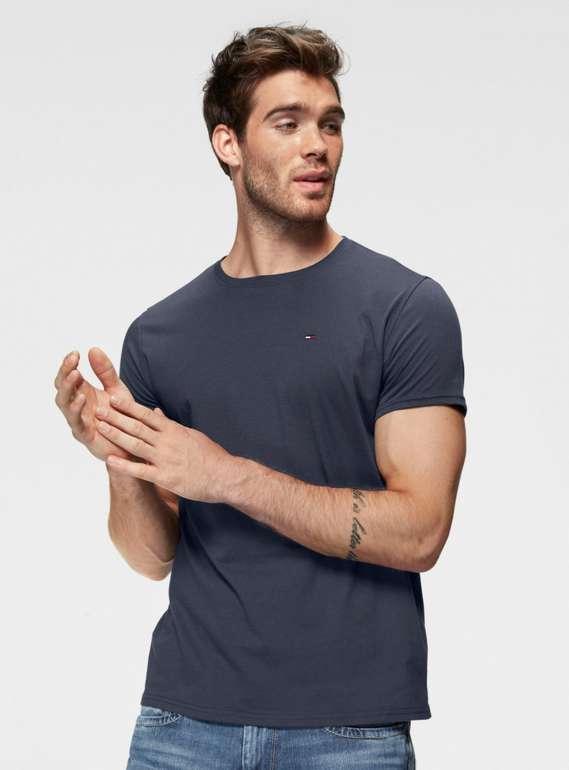 Tommy Jeans T-Shirt TJM Essentials Solid Tee in Schwarz oder Grau für 19,94€inkl. Versand (statt 25€)