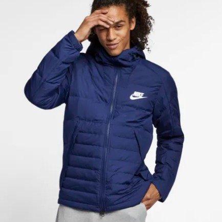 Nike Down Fill Herrenjacke (75% Daunen) mit Kapuze für 68,58€ inkl. Versand