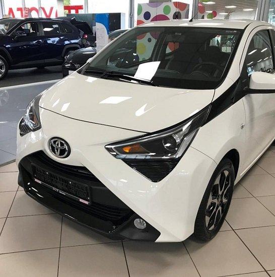 Toyota Aygo 1,0 x-play club für 30 Monate & 10.000km für 52€ Brutto mtl. im Privatleasing