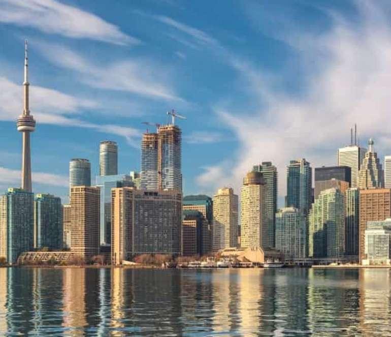 Toronto, Kanada ab 266€ (Hin- und Rückflug)im Reisezeitraum März bis Mai (Ab Brüssel)
