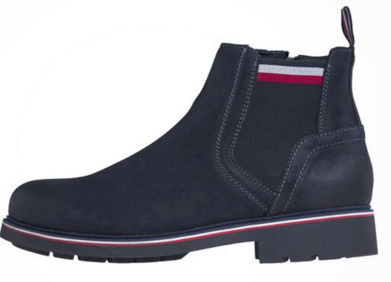 Tommy Hilfiger Corporate Elastic Suede Chelsea Boots für 76,30€ inkl. Versand (statt 109€)