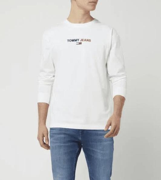 Tommy Jeans Herren Langarm Shirt  in Weiß für 36,73€ inkl. Versand (statt 43€)