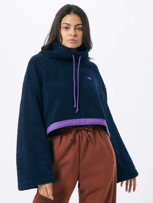 Adidas Originals Cropped Fleece Sweatshirt in nachtblau für 29,95€ inkl. Versand (statt 75€)
