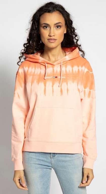 """Tommy Hilfiger Sweatshirt """"Tie Dye Hoodie"""" in neonkoralle für 50,95€inkl. Versand (statt 69€)"""