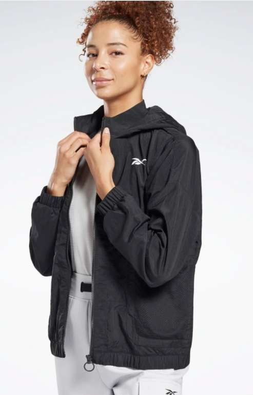 Reebok MYT Woven Damen Jacke in schwarz für 33,80€ inkl. Versand (statt 65€)