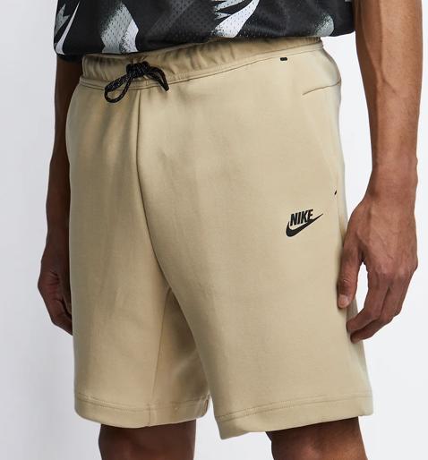 Nike Tech Fleece Shorts Herren für 31,99€ inkl. Versand (statt 64€)