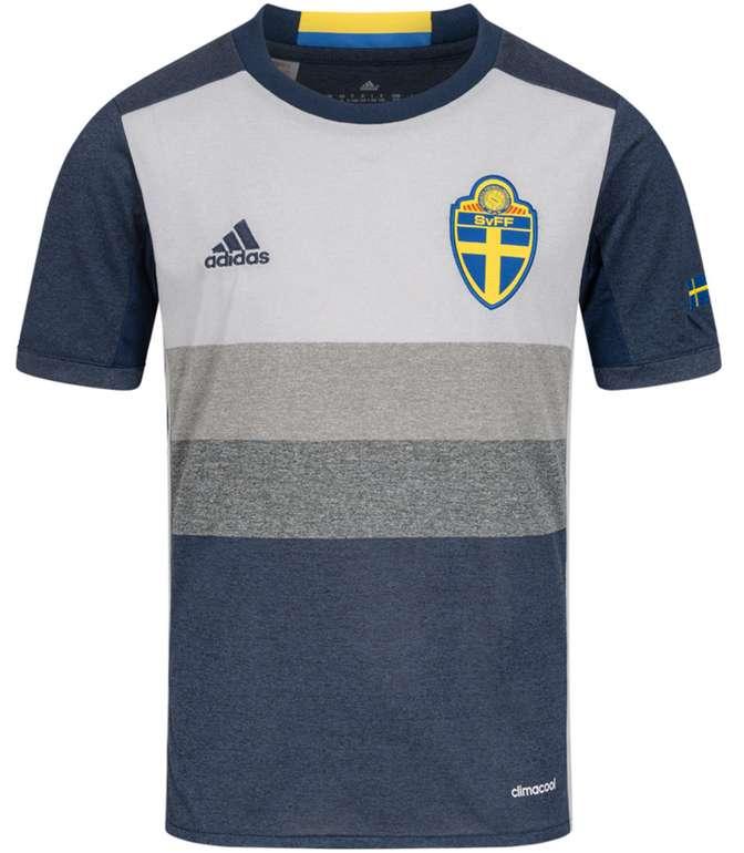 Schweden adidas Kinder Auswärts Trikot für 8,98€inkl. Versand (statt 29€)