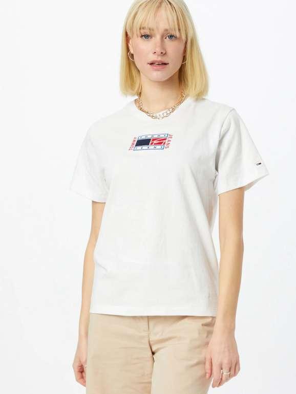 """Tommy Jeans Shirt """"Timeless"""" in Weiß für 31,43€ inkl. Versand (statt 39€)"""