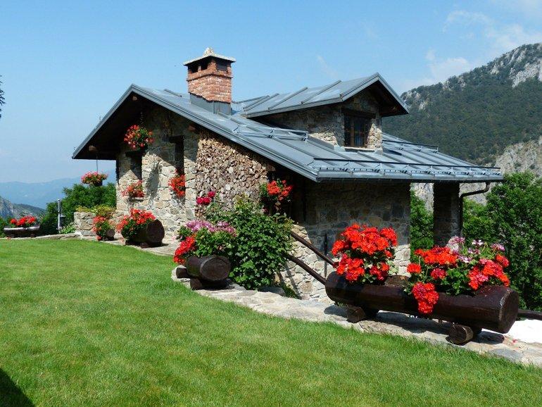 4 Tage zu Zweit im Schloss Burgbrohl in der Eifel + Halbpension für 419,99€