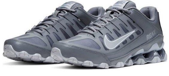 Nike Reax 8 TR Sneaker für 54,28€ inkl. Versand (statt 74€)