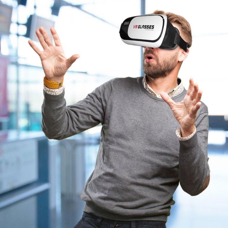 Eaxus Virtual Reality Smartphone Brille + Bluetooth Game Controller für 15,99€