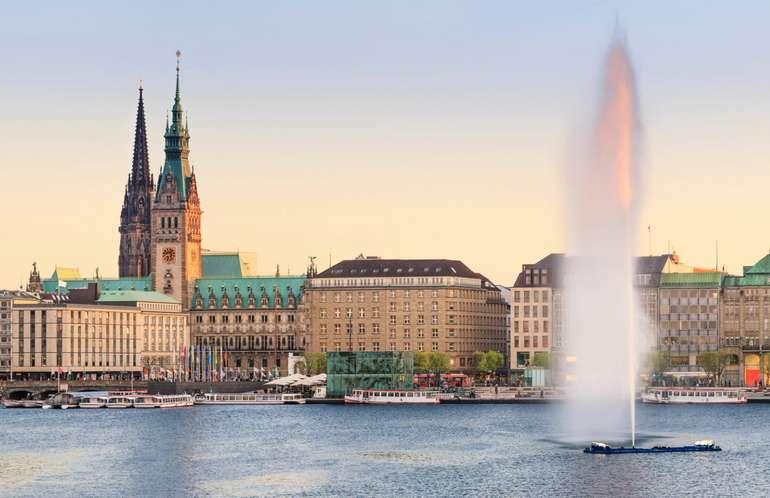 Hamburg: 3 Nächte im 4* Hotel Holiday Inn (Doppelzimmer mit Frühstück) ab 98€ p.P - bis zum 29.08.2021