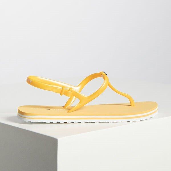 """Tommy Hilfiger Sandalen """"Irredescent Flat Beach"""" in Gelb für 19,95€ inkl. Versand (statt 27€)"""