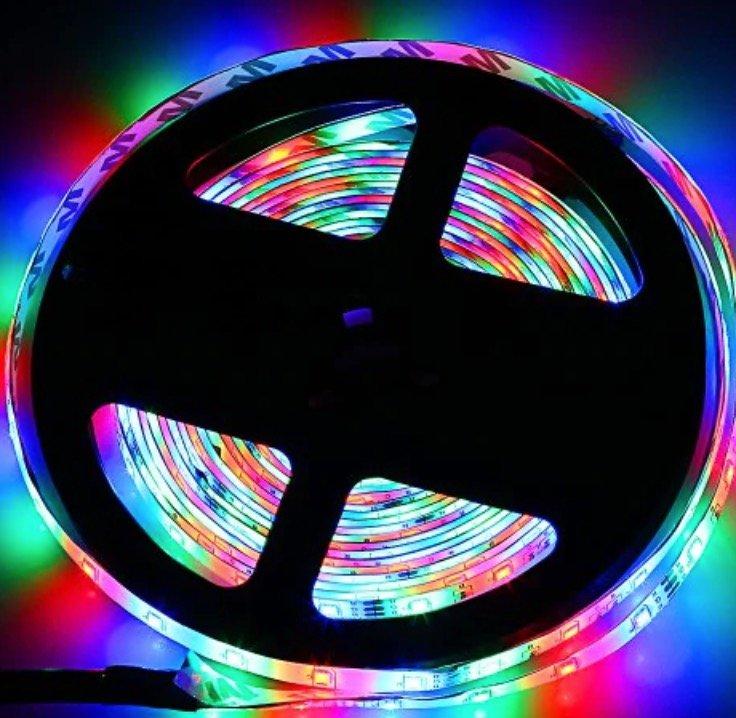5m ZDM LED Stripes mit 24 Tasten Fernbedienung (dimm- & kürzbar) für 4,07€