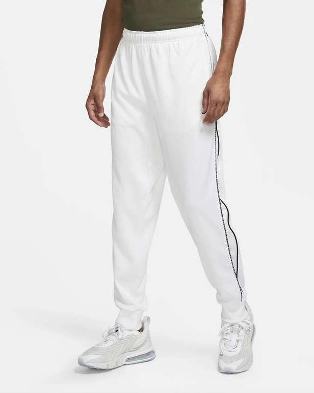 Nike Sportswear Herren Jogger Repeat in 2 Farben für je 32,39€ (statt 40€) - Nike Membership!