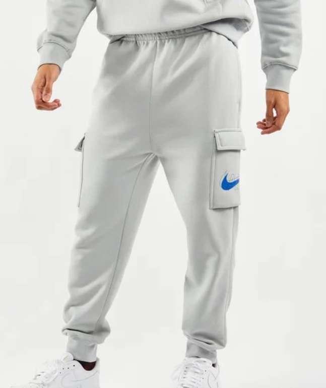 Nike Cargo Air Cuffed Herren Hose in Grau für 39,99€inkl. Versand (statt 50€)