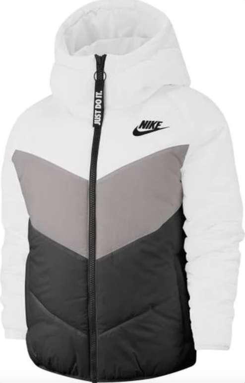 Nike Sportswear Windrunner Damen Winterjacke für 56,90€ inkl. Versand (statt 103€) - nur in M und L!
