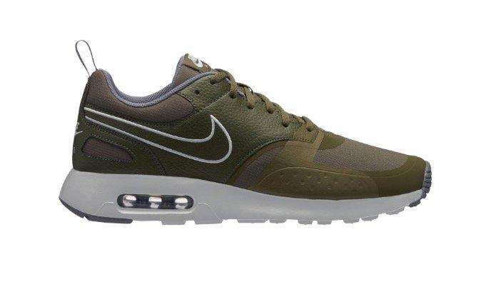 Nike Air Max Vision SE Herren Sneaker für 84,94€ inkl. Versand (statt 125€)