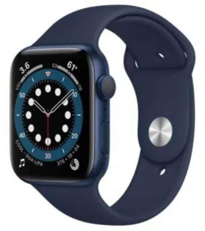Apple Watch Series 6 (GPS) in Blau 44mm Aluminium mit Sportarmband für 392,39€ (statt 419€)