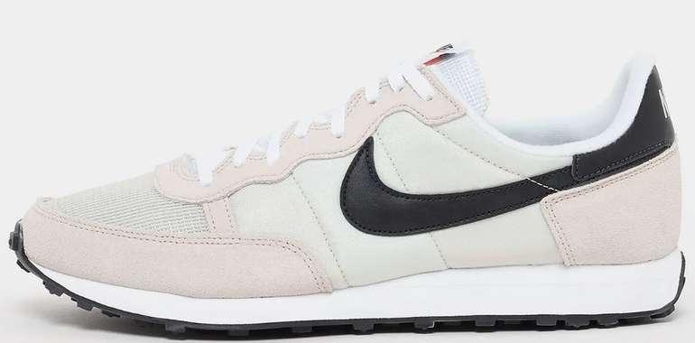 """Snipes Sale mit bis zu 50% Rabatt + 20% Extra! - z.B. Nike Challenger OG Fashion Sneaker in """"Light Bone"""" für 51,99€ inkl. Versand"""