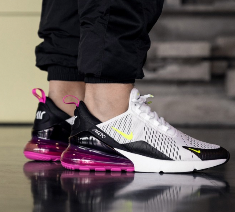 Nike Air Max 270 Herren Sneaker im Laser Fuchsia-Colourway für 104,90€