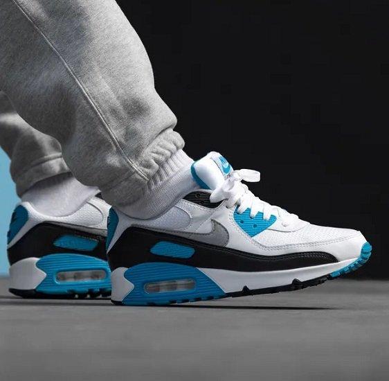 "Nike Air Max III Sneaker im ""Laser Blue""-Colorway für 99,95€ (statt 149€)"