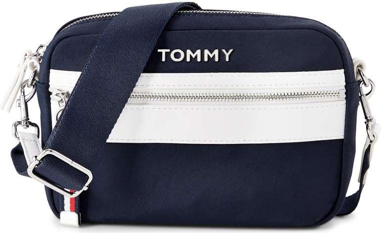 Tommy Hilfiger Umhängetasche in dunkelblau (31698001) für 47,57€ inkl. Versand (statt 61€)