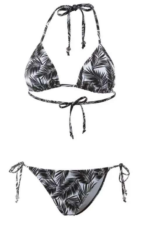 SportScheck: 15% on Top auf Summer Styles - z.B. Maui Wowie Bikini Set in schwarz/weiß für 17,51€ inkl. Versand (statt 20€)