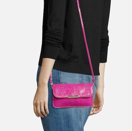 About You Tasche 'Clara' in Pink oder Schwarz ab 8,49€ inkl. VSK (statt 20€)