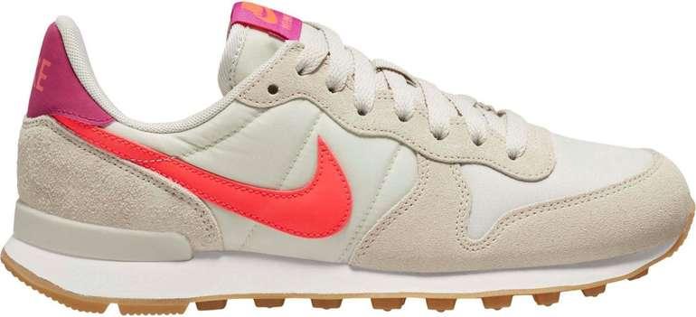 Nike Internationalist Damen Sneaker in beige für 73,67€ inkl. Versand (statt 90€)