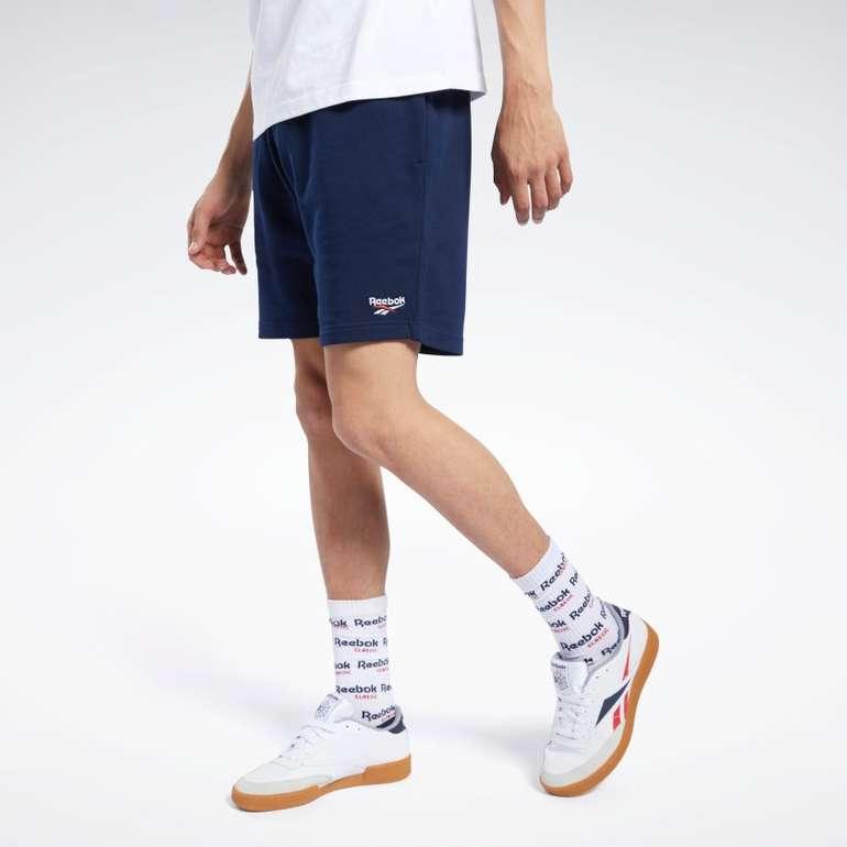 Reebok Classics Vector Herren Shorts in grau oder blau für je 18,18€ inkl. Versand (statt 40€)