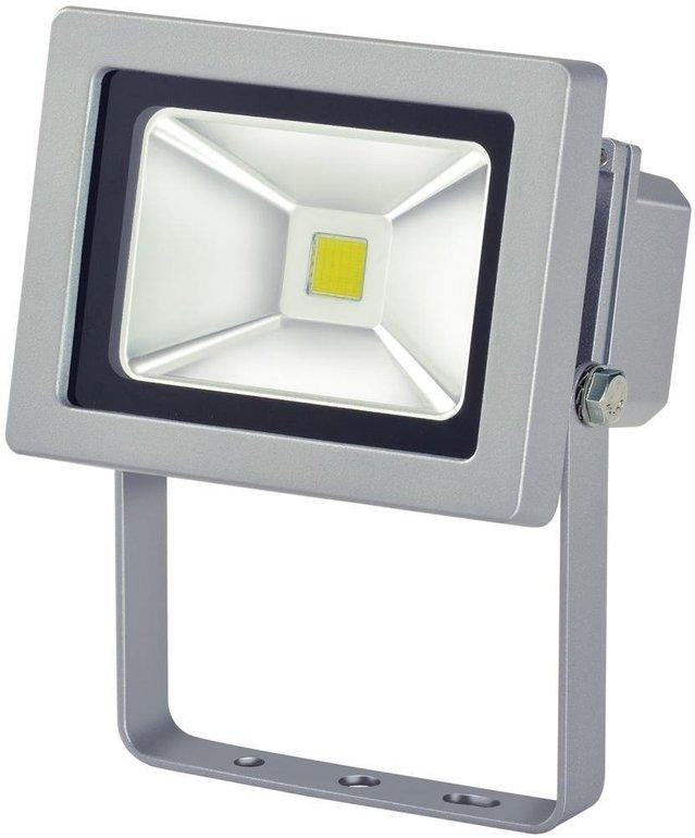 Brennenstuhl Chip LED-Leuchte 10W zur Wandmontage nur 13,99€