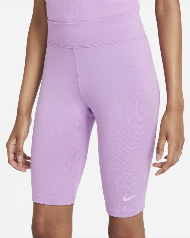 Nike Sportswear Essential Damen Bike Shorts für 17,98€ inkl. Versand (statt 21€) - Nike Membership!