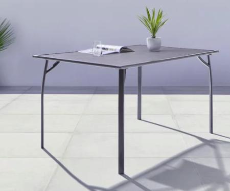 Modern Living Gartentisch Bratislava aus Metall in dunkelgrau für 127,53€inkl. Versand (statt 159€)