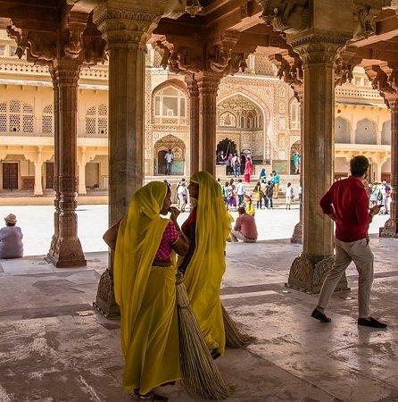 Indien: Hin- und Rückflug von München nach Neu-Dehli ab 327€ pro Person