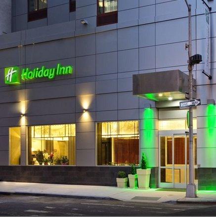 8-tägige New York Reise für 4 Personen inkl. Flüge & 4* Hotel ab 398€ p.P.