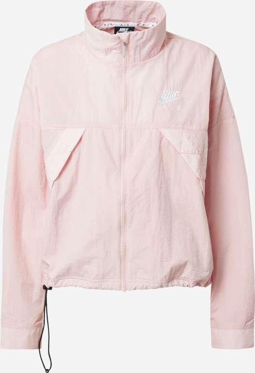 Nike Air Sportswear Damenjacke in rosa für 55,92€ inkl. Versand (statt 70€)