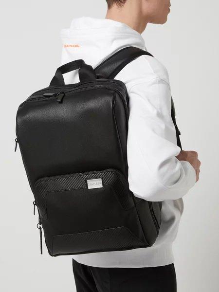 Calvin Klein Rucksack in Leder-Optik mit gepolstertem Laptopfach für 118,99€ inkl. Versand (statt 140€)