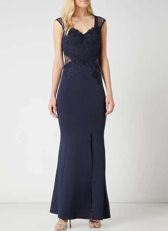 Lipsy Abendkleid aus Scuba mit Spitzenbesatz für 48,99€ inkl. Versand (statt 60€)