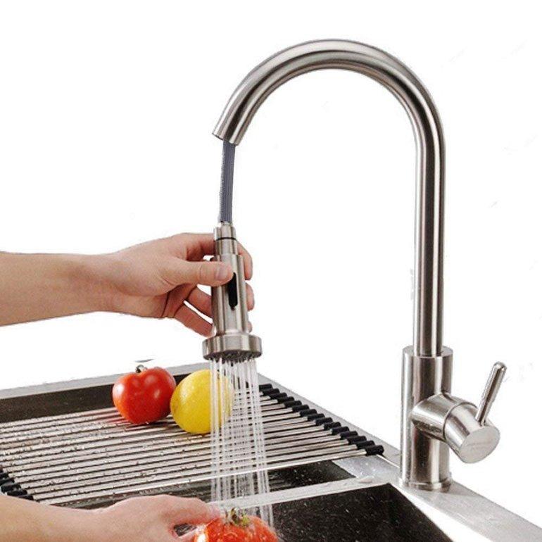 Homelody - Küchearmatur mit 360° drehbarem Wasserhahn für je 39,99€ inkl. VSK