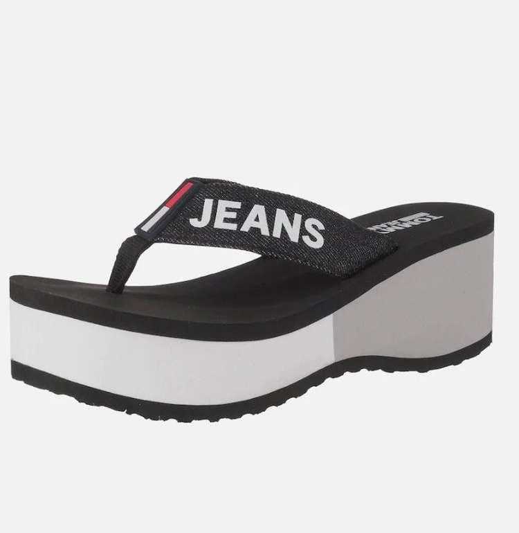 Tommy Jeans 'Colorblock Flatform Beach Sandal' Zehentrenner für 39,94€ (statt 52€)