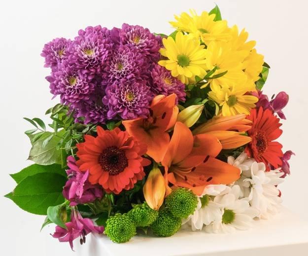 """Perfekt zum Muttertag: Blumenstrauß """"Blütentraum"""" für 19,98€ inkl. Versand"""