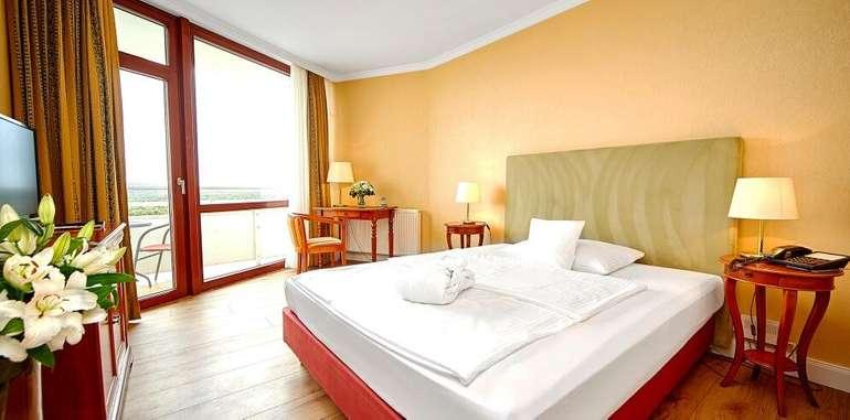 Cliff-hotel1