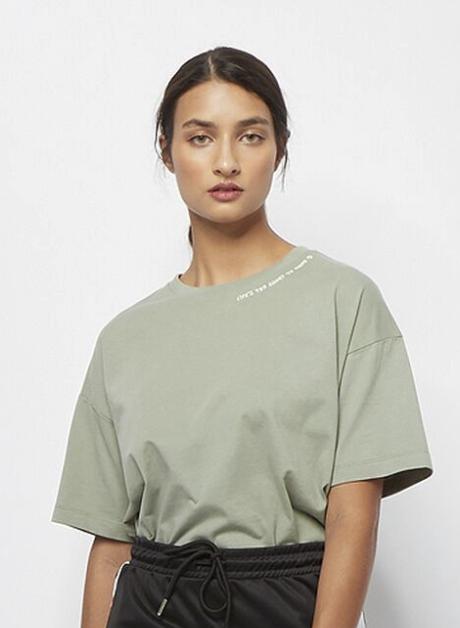 Converse Lifes Shirt Boxy in grau für 19,99€ inkl. Versand (statt 35€)
