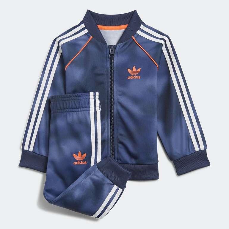 Adidas Originals Allover Print Camo SST Jungen Trainingsanzug für 22,05€ inkl. Versand (statt 29€) - Creators Club!