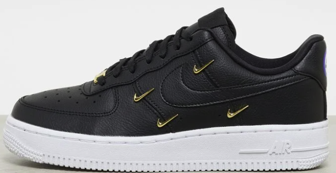 "Nike Air Force 1 '07 LX Damen Sneaker in ""black/black-metallic gold"" für 85,79€ inkl. Versand (statt 109€)"