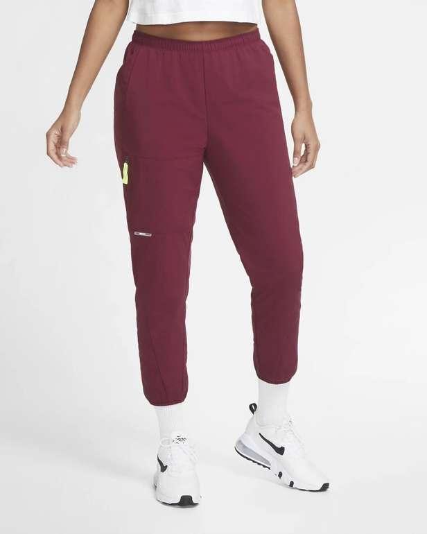 Nike F.C. Damen Fußballhose für 33,12€ inkl. Versand (statt 60€) - Nike Membership!