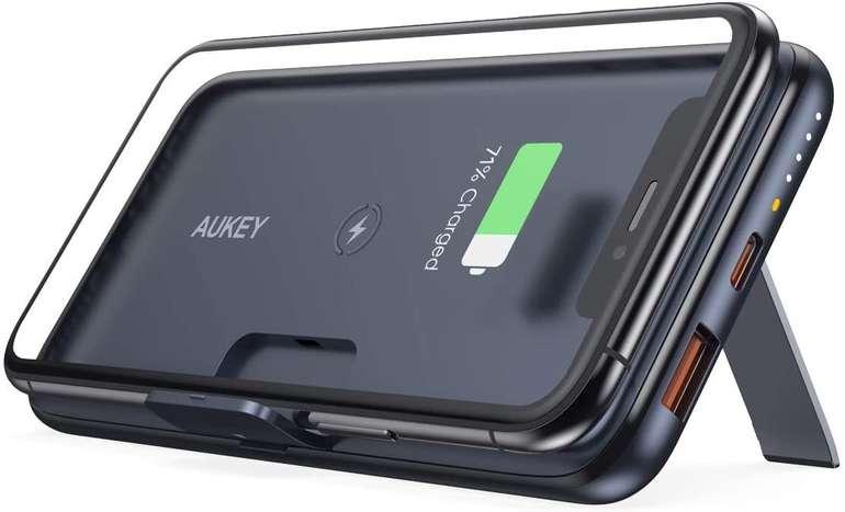 Aukey 10000mAh Powerbank mit klappbaren Füßen für 32,19€ inkl. Versand (statt 46€)