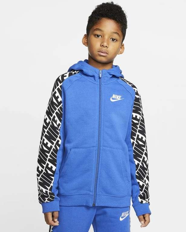 Nike Sportswear French-Terry Jungen Hoodie für 28,33€ inkl. Versand (statt 47€) - Nike Membership